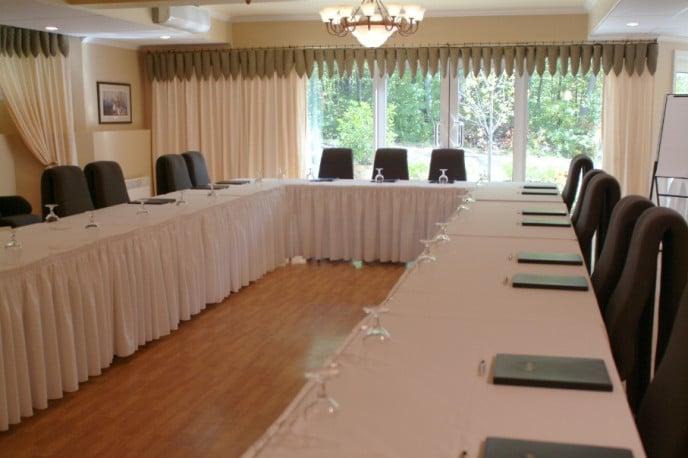 Salle réunion Ancolie La Montagne Coupée